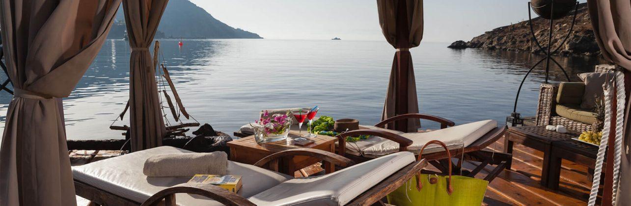 Private-VIP-Lounge-on-hotel's-beach-copy