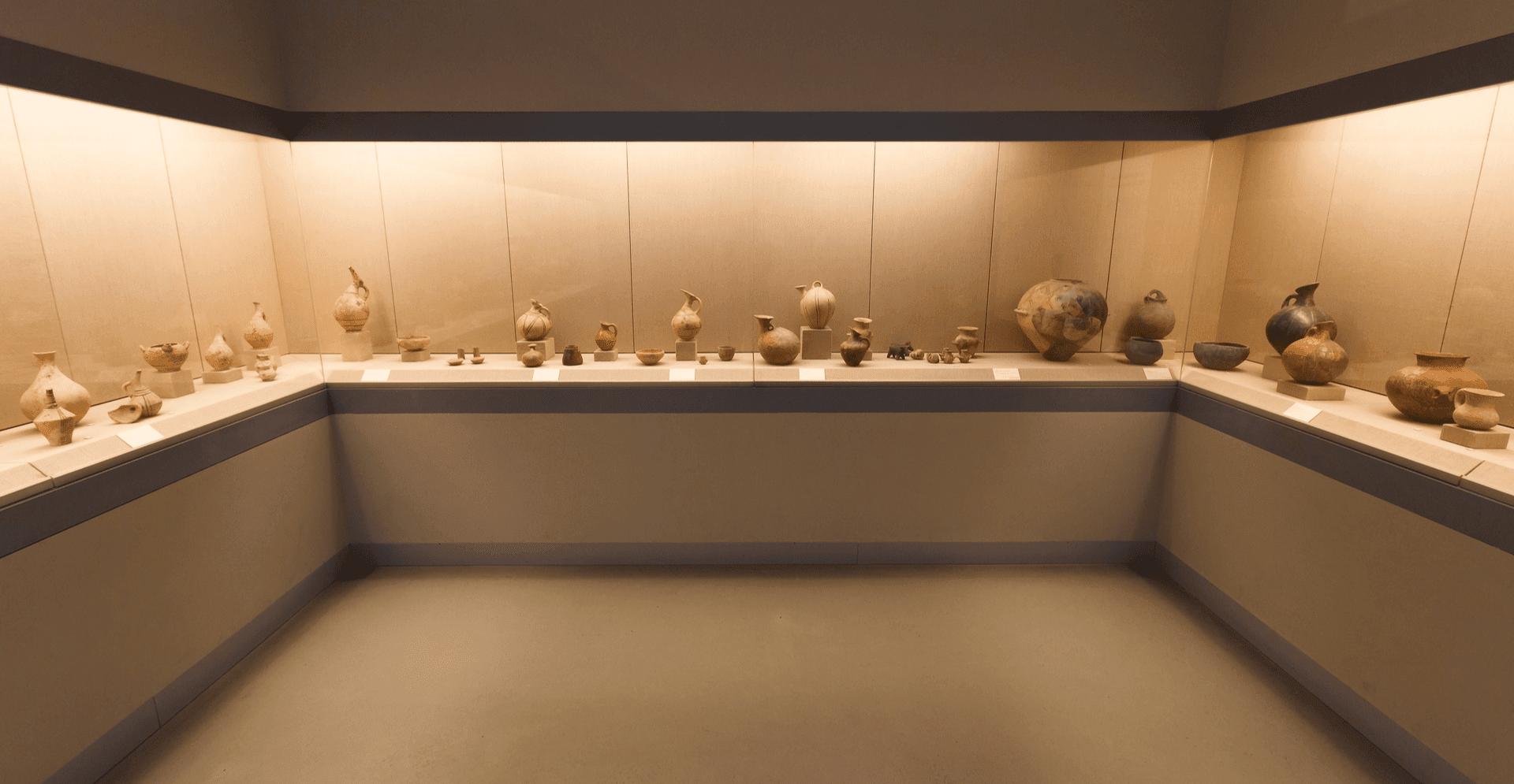 Santorini_Museum-min